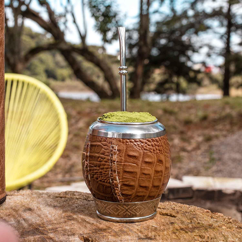 Imagem Cuia coquinho couro croco e bomba em aço inox com detalhe de anel