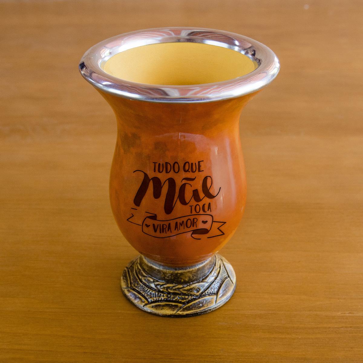 Imagem Cuia com bocal de inox cor pinhão personalizada frase Tudo que Mãe Toca Vira Amor